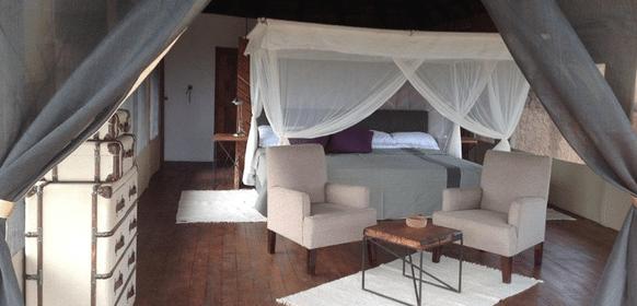 Inuti tält på Kubu Kubu Tented Camp