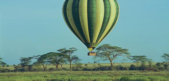 Serengeti Serena Lodge luftballong