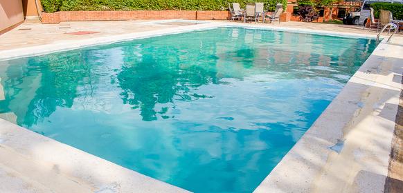 Summit Safari Lodge pool